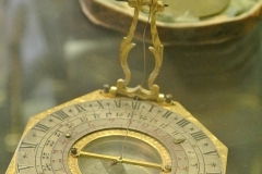 travel_sundial_clock_credit_LindsayWant