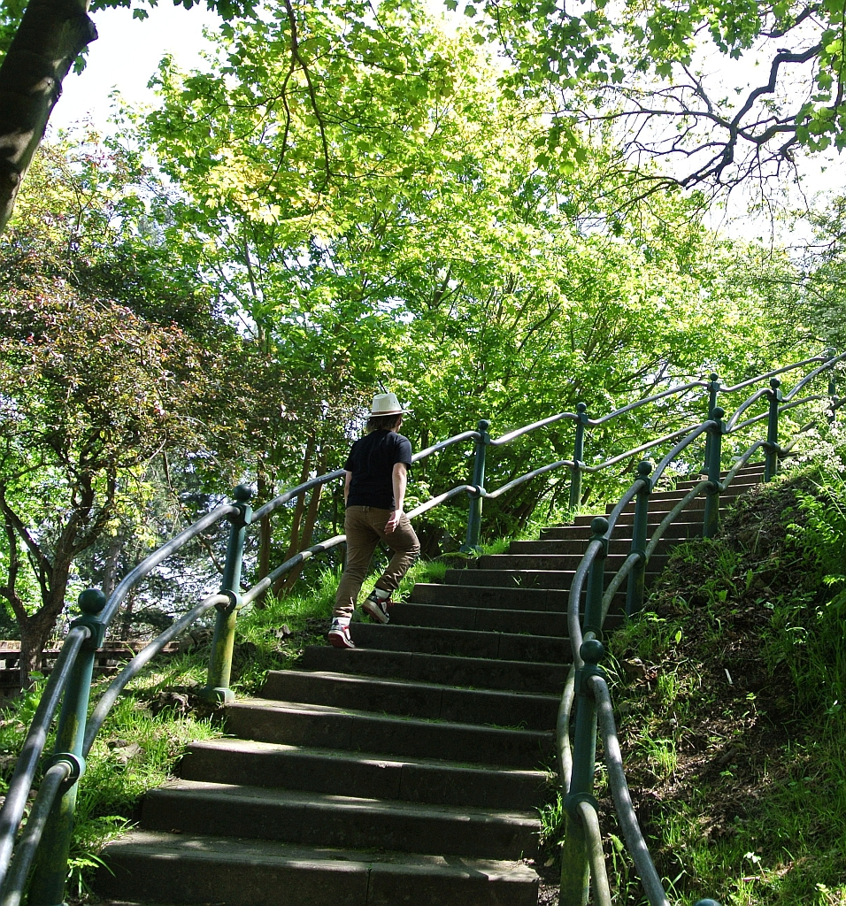 Climbing steps to Bellevue Park Lowestoft by Xtrahead
